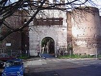 Porta latina.JPG