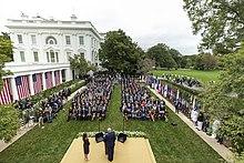 Beyaz Saray'ın Gül Bahçesi'nde düzenlenen bir etkinlik