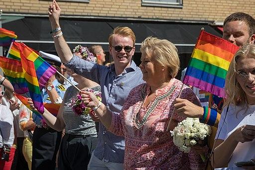 Prideparaden Erna Solberg Oslo 2019 (130654)