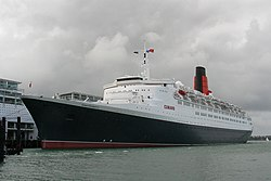 QE2 port visit, Auckland, 28 February 2008 (9410403489) (3).jpg