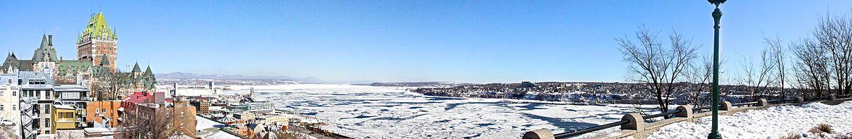 Panorama of the St Laurent in Québec in Winter