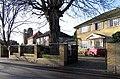 Quakers Walk, London N21 - geograph.org.uk - 302449.jpg