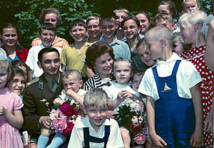 Valentina Tereshkova - Cosmonauts Valentina Tereshkova and Valery Bykovsky among children