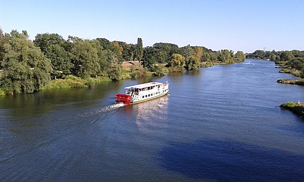 The Oder River, which forms part of Poland's western border, is the second longest in the country, flowing for 854 kilometres (531 mi). Rakowiec, Wroclaw, Poland - panoramio.jpg