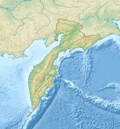 """Mapa konturowa Kraju Kamczackiego, w centrum znajduje się punkt z opisem """"Wyspa Karagińska"""""""