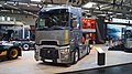 Renault Trucks T High 520 Maxispace - Front and left side IAA 2018.jpg