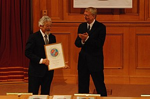 David Suzuki - Suzuki receives the Right Livelihood Award from Jakob von Uexkull