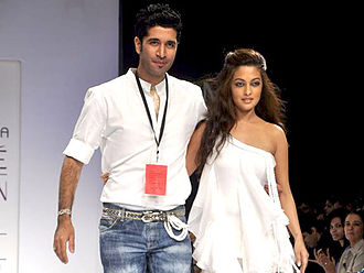 Riya Sen - At Lakme Fashion Week, 2011