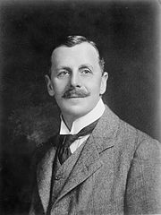 Robert Heaton Rhodes Jr (1915).jpg