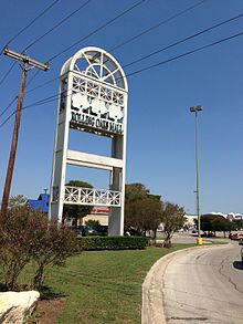 Rolling Oaks Mall sign.JPG