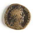 Romerskt bronsmynt, Marcus Aurelius, 174 - Skoklosters slott - 110744.tif