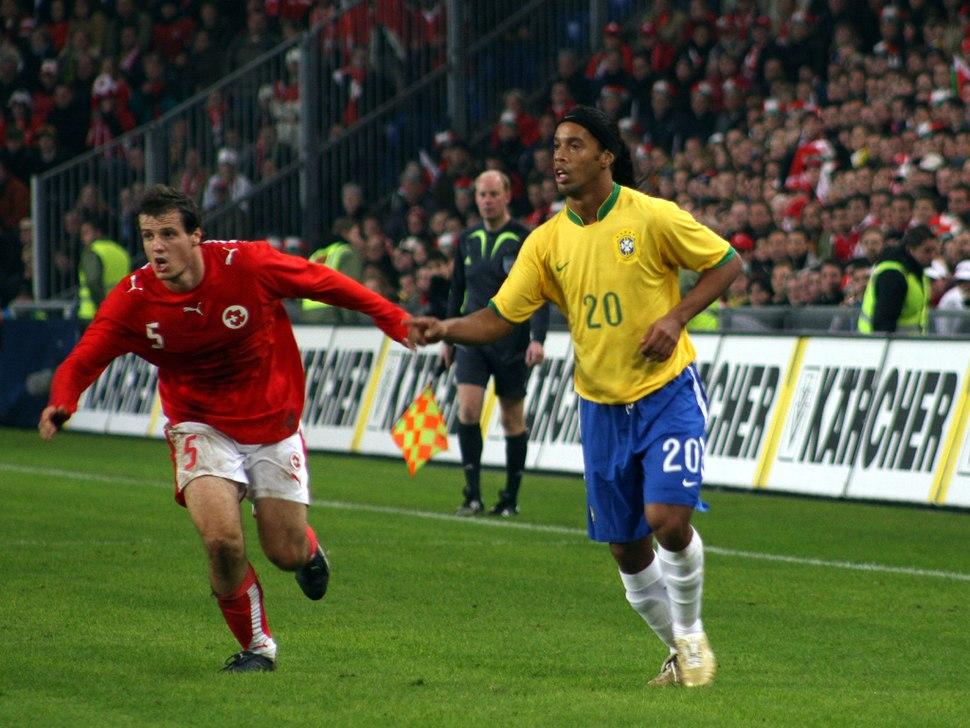 Ronaldinho061115-03
