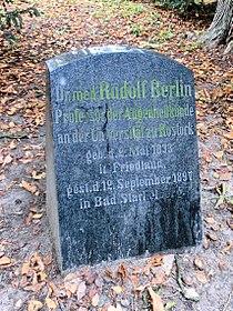 Rostock Lindenpark Rudolf Berlin 2011-10-07.jpg
