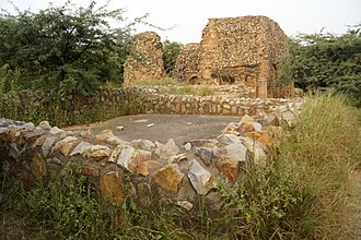 Tomb of Balban - Image: Ruins of tomb of Balban,Mehrauli Archaeological Park,New Delhi,India