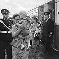 Russische spion Smirnof uitgewezen, vertrek van Schiphol, Bestanddeelnr 911-4070.jpg