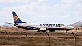Ryanair B737-800 EI-DLY (4185193879).jpg
