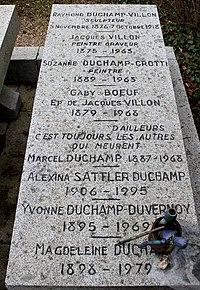 Sépulture de la famile Duchamp, Cimetière Monumental de Rouen.JPG