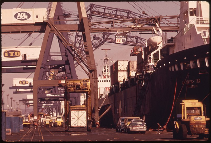File:SHIP AT A DOCK IN THE PORT OF NEWARK, NEW JERSEY. THE PORT PERIODICALLY IS INSPECTED BY PESTICIDES PERSONNEL FROM THE... - NARA - 555260.jpg