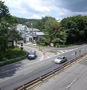 Saw Mill River Parkway - The Ashford Avenue interchange (exit 17) in Dobbs Ferry