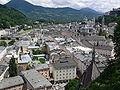 Salzburg Getreidegasse und Altstadt vom Mönchsberg.jpg