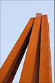 Sculpture monumentale de Bernar Venet (Nice) (5942748676).jpg