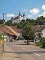 Seewen, straatzicht met Sankt German Kirche foto2 2013-07-20 14.22.jpg