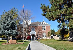 Sherman county oregon courthouse.jpg