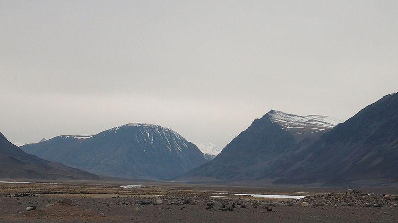File:Shiveet Khairkhan Mount - panoramio.jpg