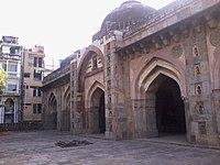Side View inside Moth ki Masjid.jpg