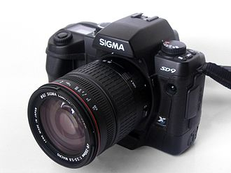 Sigma SD9 - Front of the SD9 with a 28-200mm lens
