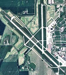 Sioux Gateway Airport-2006-USGS.jpg
