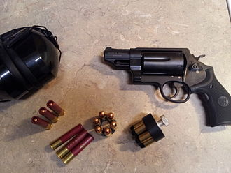 Smith & Wesson Governor - Image: Smith and Wesson Governor with accessories