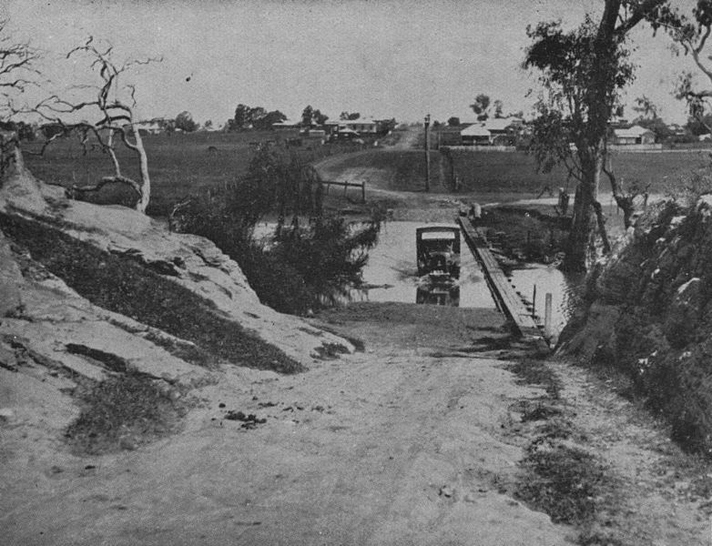 File:StateLibQld 2 212256 Crossing the Condomine River in Warwick, 1932.jpg