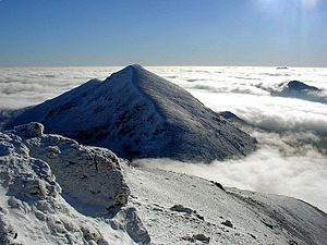 Stob Binnein - Stob Binnein from Ben More in a winter temperature inversion