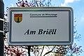 Stroosseschëld Am Briëll, Diänjen-101.jpg