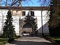 Třeboň Schloss - Äußeres Tor.jpg