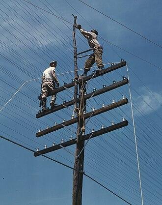 Electrician - Image: TVA Linemen