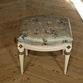 Taburett av pärlgråmålad björk - Skoklosters slott - 94280.tif