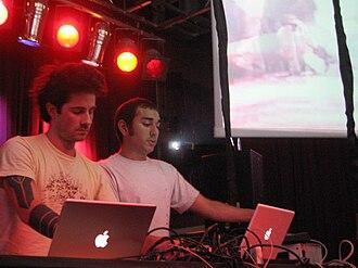 Telefon Tel Aviv - Joshua Eustis (left) and Charles Cooper (right) at Decibel Festival (September 2006)