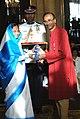 The President, Smt. Pratibha Devisingh Patil presenting Padma Vibhushan Award to Dr. Venkatraman Ramakrishnan, at the Civil Investiture Ceremony-I, at Rashtrapati Bhavan, in New Delhi on March 31, 2010.jpg