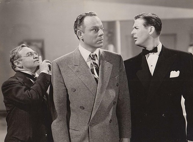De g. à d. : Barry Fitzgerald, Bill Goodwin et Don DeFore, dans Le Club des cigognes (1945)