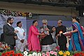 The Vice President, Shri Bhairon Singh Shekhawat presenting the Indira Gandhi NSS awards to the Programme officer Dr.Sarabjeet Kour, at the 12th National Youth Festival inauguration in Pune on January 12, 2007.jpg