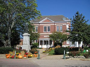 Tipton County Court House Covington TN 2013-10-13 011.jpg
