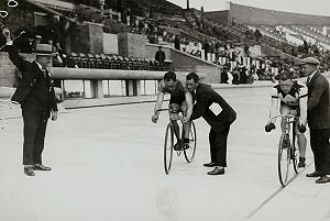 Antoine Mazairac - Antoine Mazairac (left) at the 1928 Olympic Games in Amsterdam in the sprint semi-final against the Danes Willy Falck Hansen.