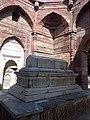 Tomb of Sultan Iltutmish 05.jpg