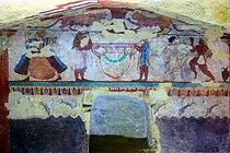 Tomba delle leonesse - parete frontale del ripostiglio.jpg
