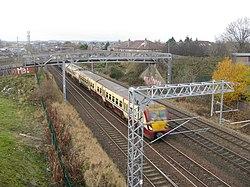 Train heading for Edinburgh (geograph 3765545).jpg