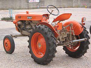 Trattore Fiat 211 R a Venturina (LI).JPG
