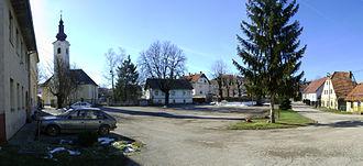 Slunj - Zrinski Square in Slunj