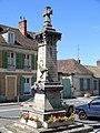 Trie-Château (60), monument aux morts, rue Nationale - rue des Écoles.jpg